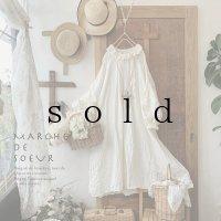 MARCHE' DE SOEUR/ラッフル襟のパフ袖ワンピース(115丈)・ミルク