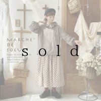 MARCHE' DE SOEUR/ラッフル襟パフ袖プルオーバー・セピア